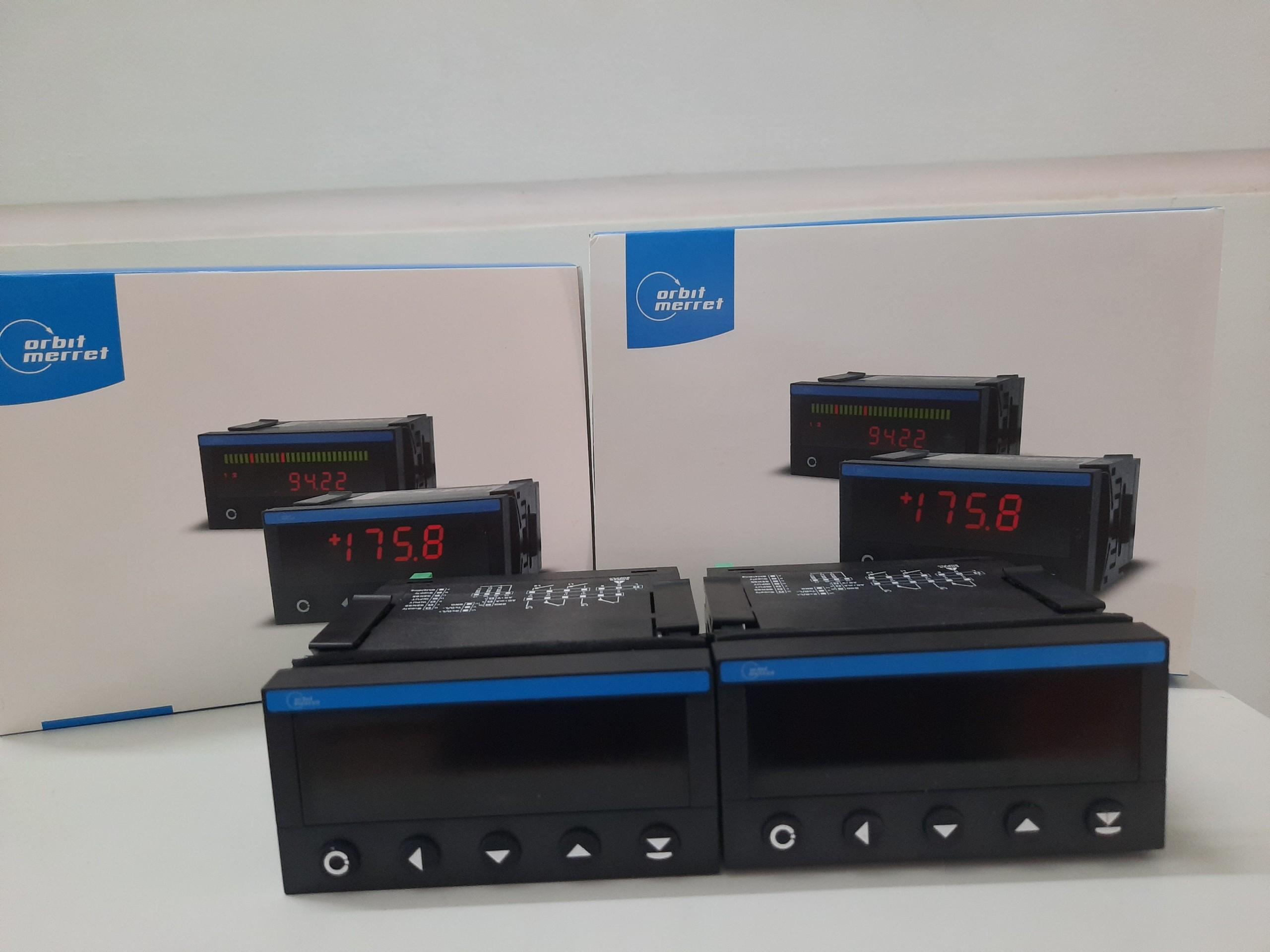 Bộ hiển thị và điều khiển OM402Uni