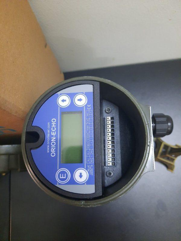 Cảm biến siêu âm đo mức từ Châu Âu