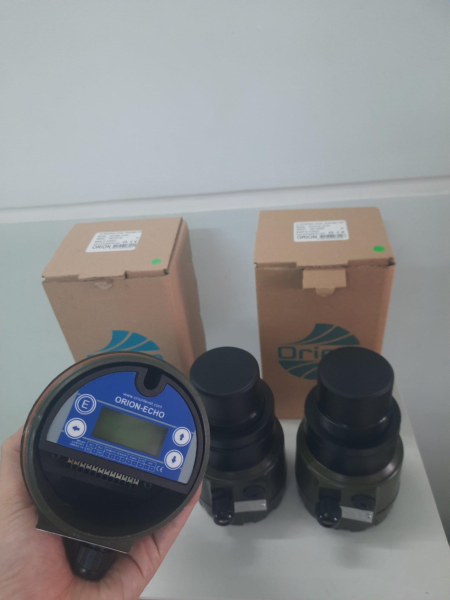 Cảm biến siêu âm đo mức bồn kín ECH306, ECH310